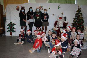 Noël dans nos écoles   lus et enfants cadeau mater 1